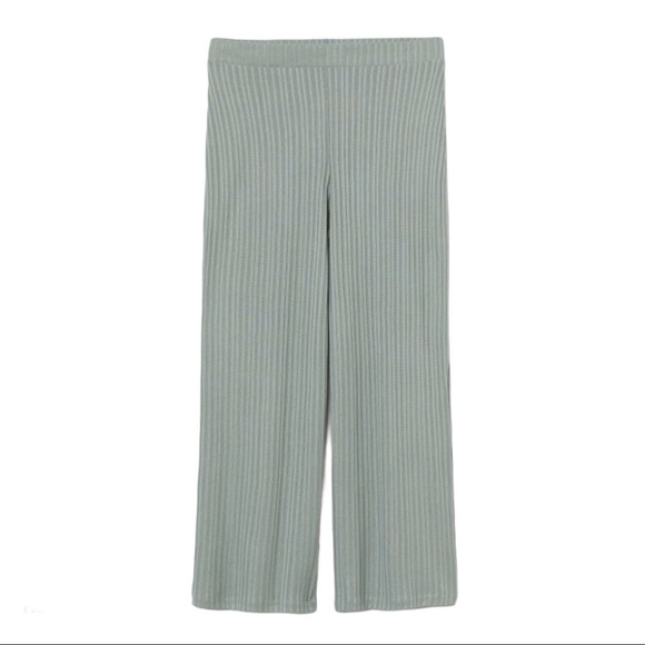H&M Divided. Sage Green. Ribbed. Trousers/Pants